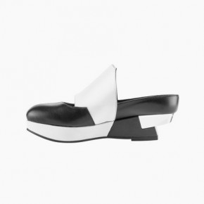 Black and white leather shoes with platform