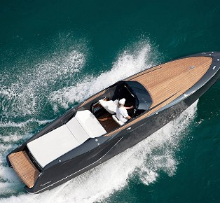 Luxury on top The Frauscher 858 FANTOM