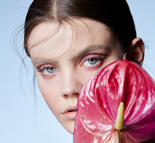 Make the classic beauty look feel extra in 5 easy steps