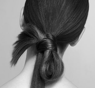 How to succeed with the bridal bun