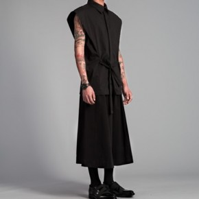 Black sleeveless shirt with tie front
