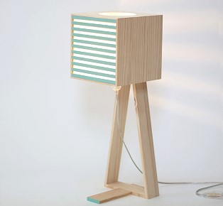 BEC lamp made from recurring waste of crates