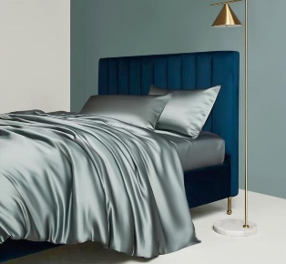 Luxury homeware Anti aging by using silk pillowcase